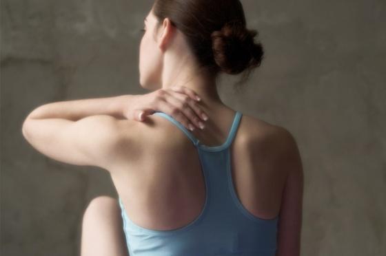 woman-with-yoga-injury